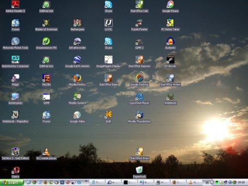 IMAGE(http://stuff.ermarian.net/arancaytar/images/desktop/desktop-2007-11-25-s.jpg)