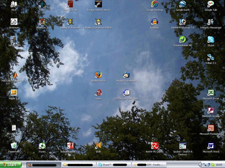 IMAGE(http://stuff.ermarian.net/arancaytar/images/desktop/desktop2006-02-26small.png)